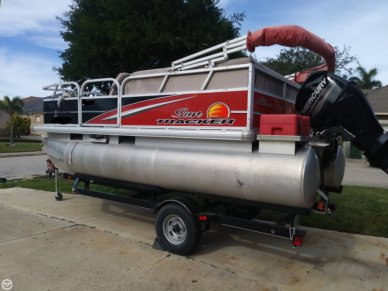 Sun Tracker Bass Buggy 16 DLX, 16, for sale - $16,995