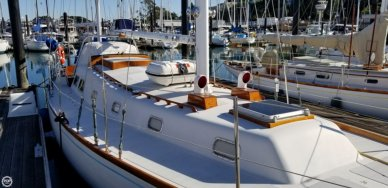 Islander 44, 43', for sale - $69,900