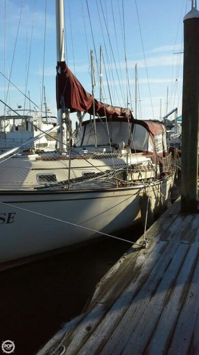 Island Packet 32, 32', for sale - $69,000