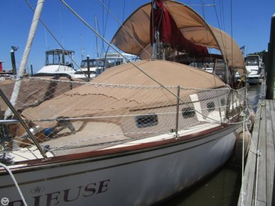 Island Packet 32, 32', for sale - $52,000