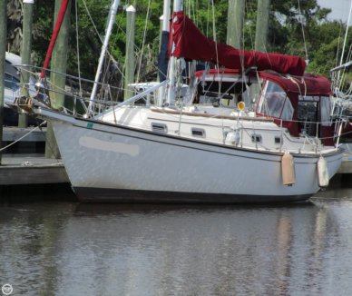 Island Packet 32, 32', for sale - $43,900