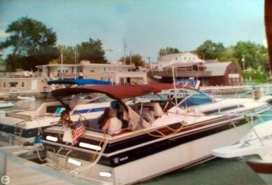 Wellcraft St Tropez 3200/EX, 36', for sale - $13,000