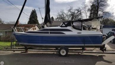 MacGregor 26M, 25', for sale - $27,800