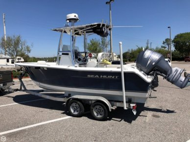 Sea Hunt Ultra 211, 21', for sale - $39,500