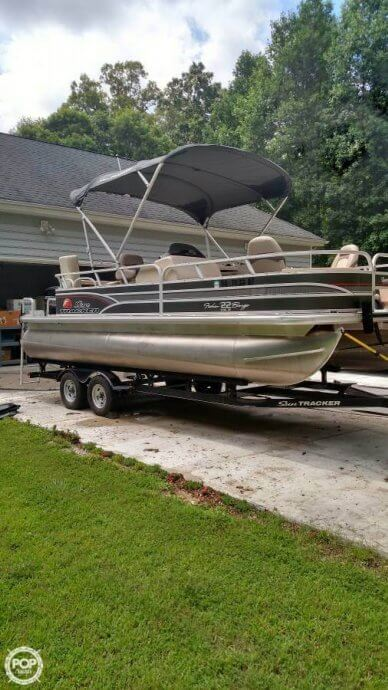 Sun Tracker 22 Fishing Barge, 22', for sale - $26,700