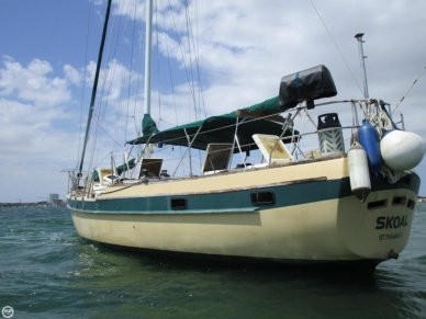 CSY 44 Mid-cockpit cutter, 44', for sale - $48,000