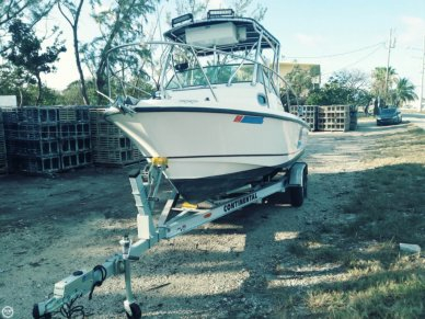 Boston Whaler 205 Conquest, 20', for sale - $39,900