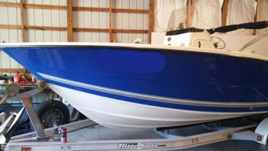 Triton 225 CC, 22', for sale - $31,900