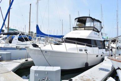 Bayliner 3288 Motor Yacht, 32', for sale - $40,000
