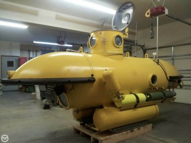 Submarine 11, 11', for sale - $80,000