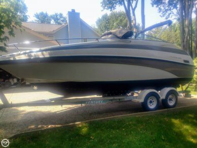 Crownline 230 CCR, 25', for sale - $22,500