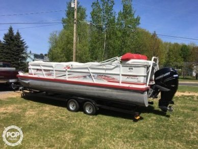 Playcraft Xtreme 2600 Tritoon, 28', for sale - $43,500