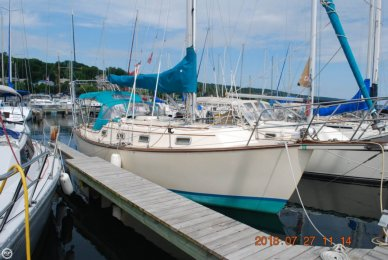 Island Packet 31, 31', for sale - $56,900