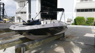 Scarab 165G, 15', for sale