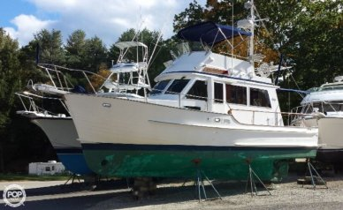 Island Gypsy 32 Sedan Trawler, 32, for sale