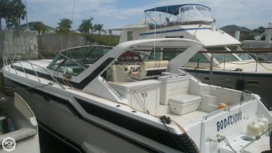 Wellcraft 43 Portofino, 43, for sale - $25,000