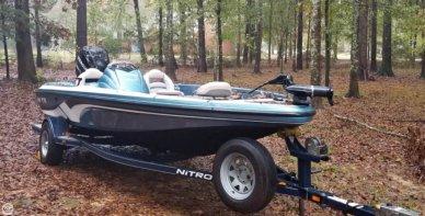 Nitro 482, 18', for sale - $15,500