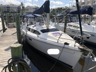 Hunter 336, 33', for sale - $39,900