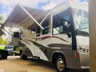 2007 Winnebago Voyage 33V With 18 Foot Power Awning