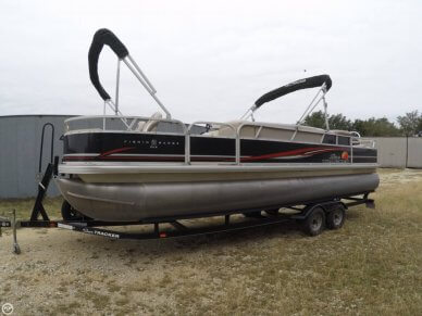 Sun Tracker DELUXE FISHING BARGE, 26', for sale