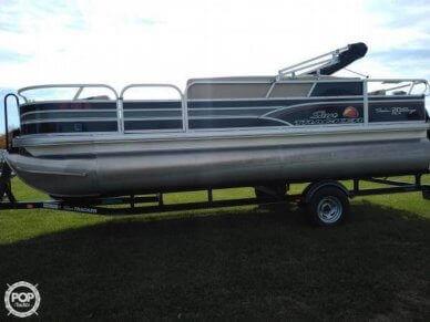 Sun Tracker Fishin Barge 20 DLX Signature, 20, for sale