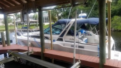 Sea Ray 300 Weekender, 30', for sale - $21,000