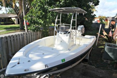 Hydra-Sports Bay Bolt 2000 Center Console, 20', for sale - $17,400