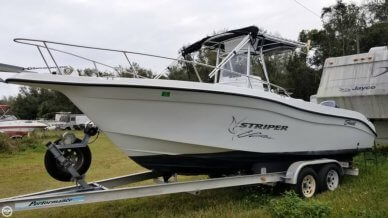 Seaswirl Striper 2301 CC, 24', for sale - $20,000