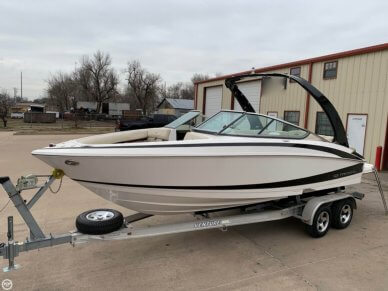 Regal 2300 Bowrider, 23', for sale - $47,300