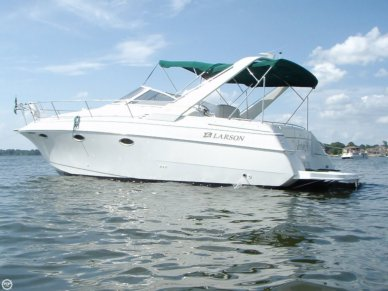 Larson Cabrio 31, 33', for sale - $32,000