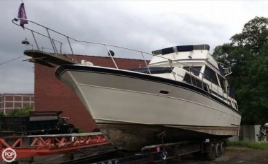 Marinette 37 AC, 39', for sale - $19,750