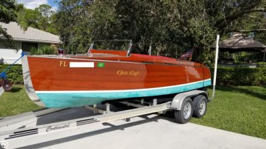 Chris-Craft Model 100 Triple Cockpit Runabout, 20', for sale - $37,500