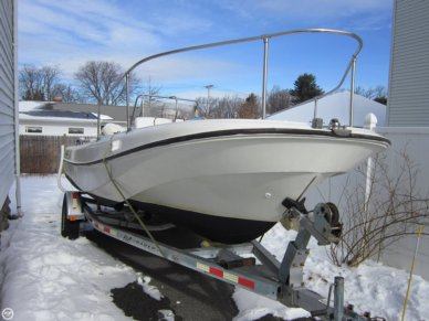 Boston Whaler 19 Outrage, 19', for sale - $15,250