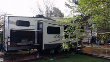 38' Cougar With Bunkhouse & Exterior Kitchen
