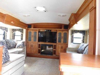2011 Montana 3750FL - #2