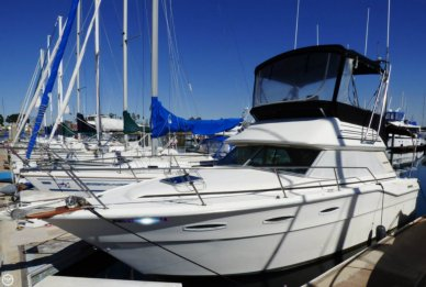 Sea Ray SRV300 Sedan Bridge, 30', for sale - $18,700