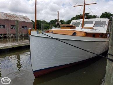 Matthews 38 Cabin Cruiser, 38', for sale - $32,500