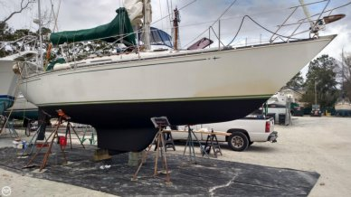 C & C Yachts 34, 34, for sale - $25,000