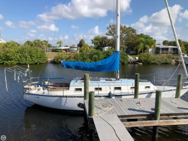 Hunter 33 Cherubini, 32', for sale - $17,750
