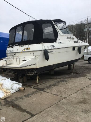 Cruisers 3370 Esprit, 33', for sale - $38,000