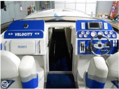 2010 Velocity 37 Midcabin - #5