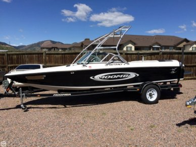 Moomba Outback V, 22', for sale