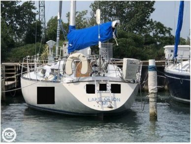 C & C Yachts 40-2, 39', for sale - $19,500