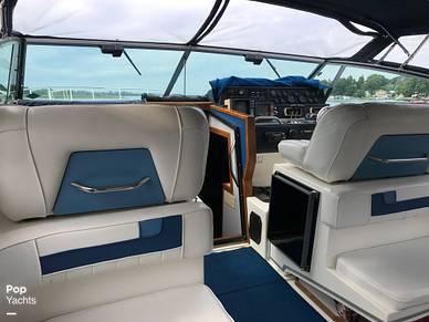 1989 Sea Ray 390 Express Cruiser - #2