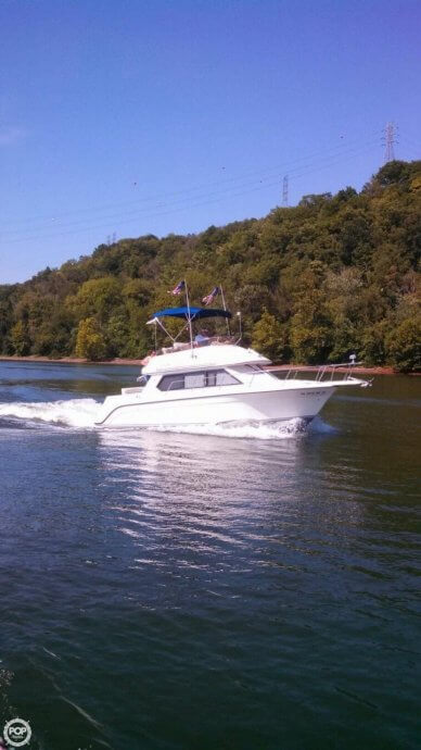 Carver 26 Command Bridge, 26, for sale - $19,900