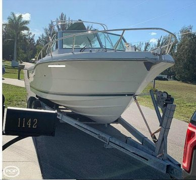 Pursuit Denali 2460, 24', for sale - $19,900