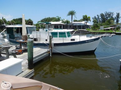 Fales 32, 31', for sale - $24,750