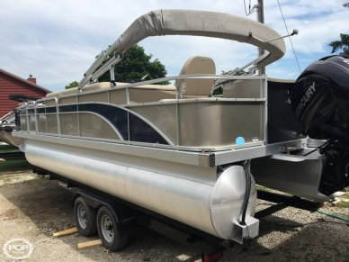 Bennington S24, 24, for sale - $31,000
