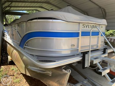 Sylvan Mirage 8520 Cruise and Fish, 20', for sale - $33,400