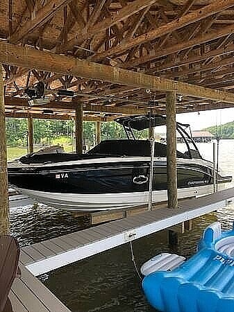 Chaparral 250 SunCoast, 24', for sale